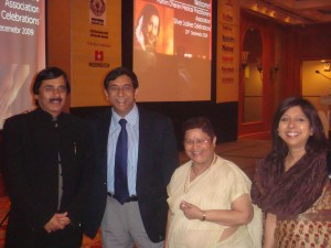 Guinees Book Record Holder for Fibroid Surgery Dr Rakesh Sinha, Dr Deepak Jumani & Dr Bhatia